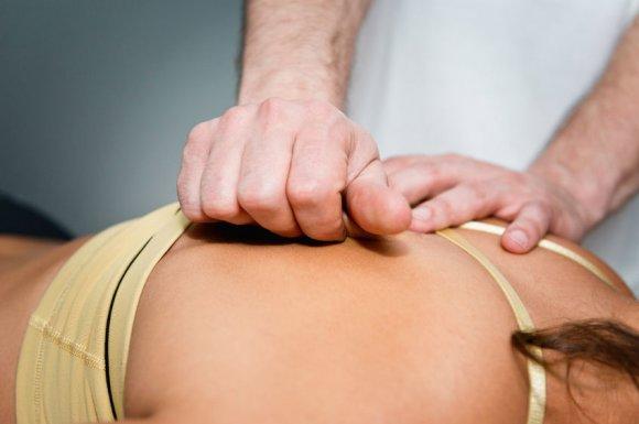 Séance de réflexologie pour problème de dos